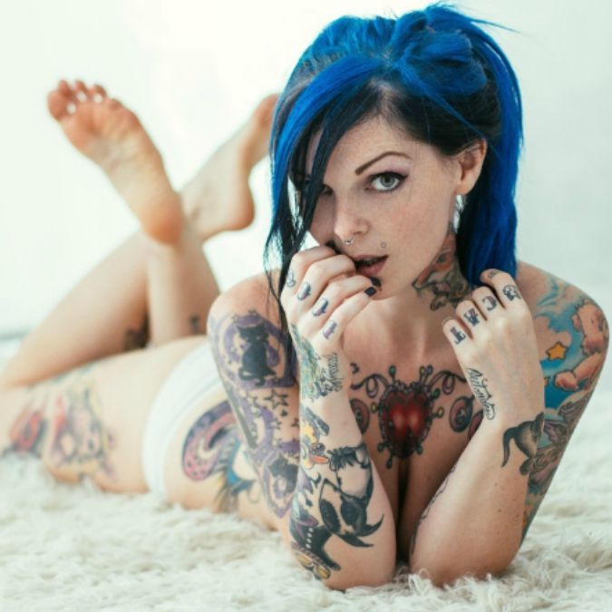 riae suicide girls