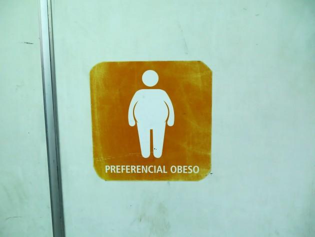 Riservato agli obesi. Su un traghetto popolare a Rio