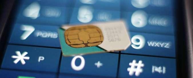 """Sim universale, addio plastica. Ft: """"Apple e Samsung pronti a crearla nel 2016"""""""