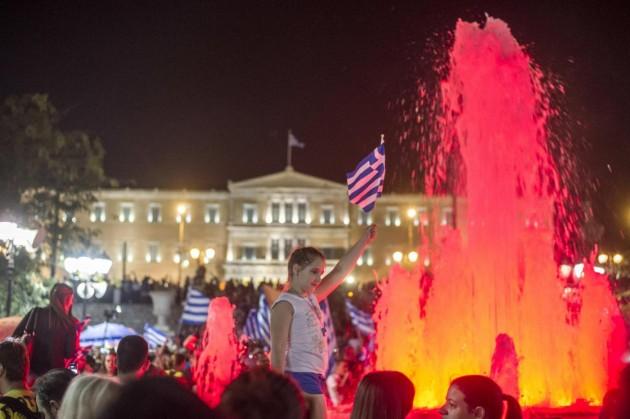 Atene, piazza Syntagma si riempie in attesa dei risultati del referendum
