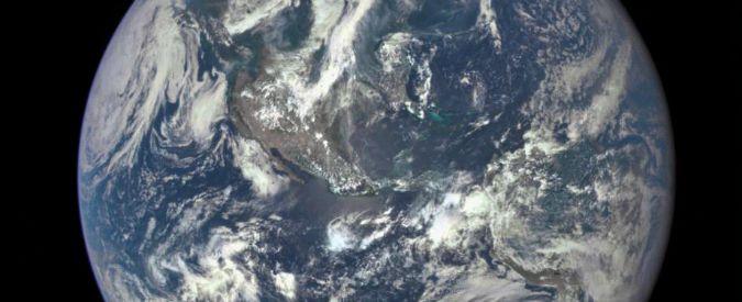 """Terra, Nasa immortala la bellezza del """"pianeta azzurro"""" in una foto """"epica"""""""