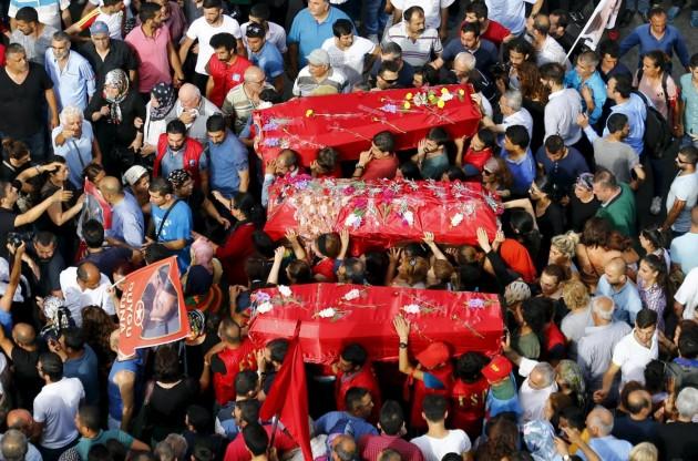 Turchia, a Istanbul i funerali delle vittime di Suruc
