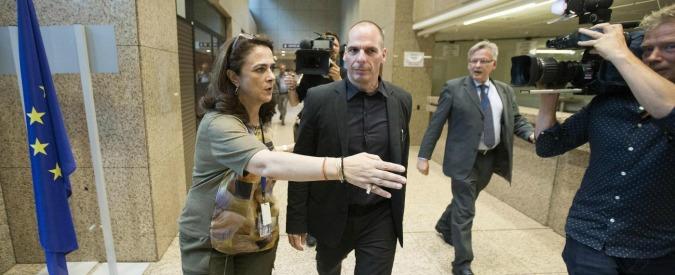 Grecia, 'sì avanti nei sondaggi'. Ma società smentisce: 'Mai fatta rilevazione'. Varoufakis: 'Se vince sì mi dimetto'