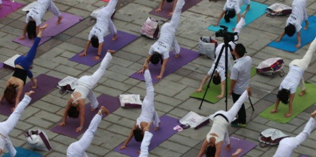yoga675