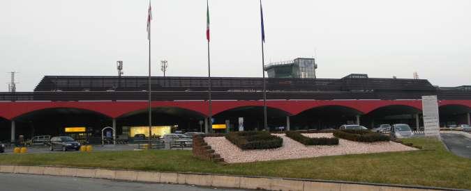 Bologna, bimbo di 11 anni sta male in volo e muore in aeroporto