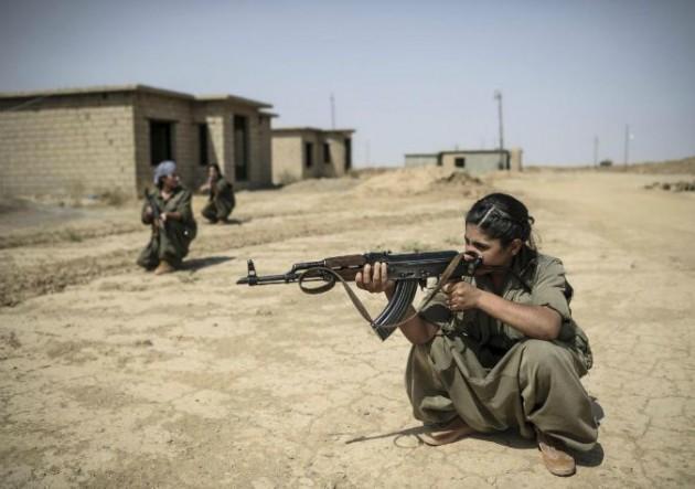 Donne curde in lotta contro lo Stato Islamico