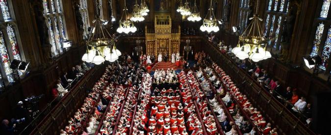 Uk, Lord assenteisti rimborsati con 360mila sterline: in 5 anni mai votato