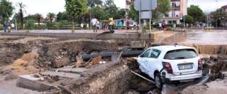 Calabria, dopo nubifragio si contano danni: case e negozi distrutti, addio stagione turistica (Foto)