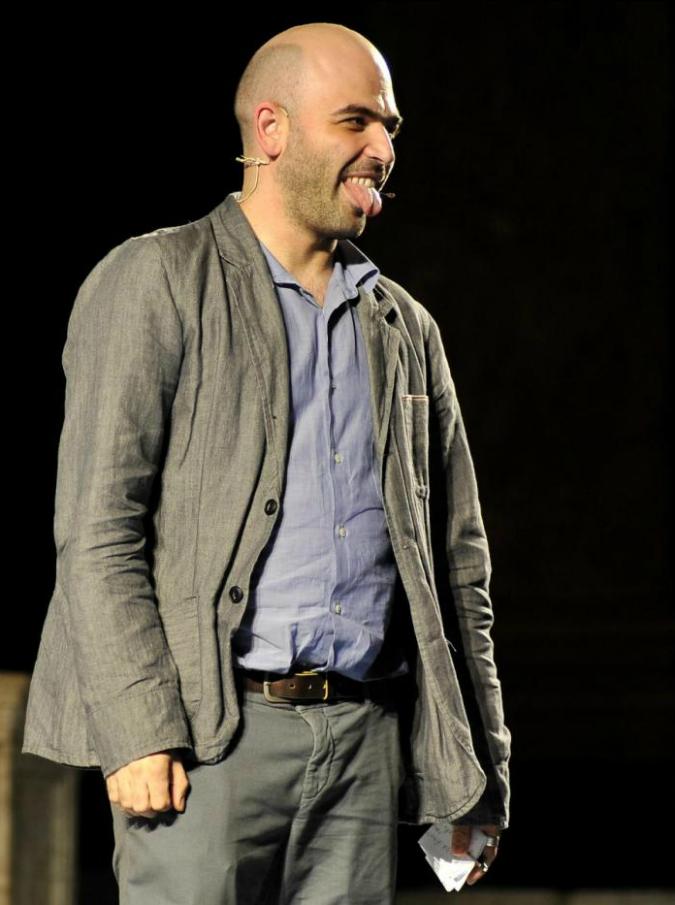 """Roberto Saviano: """"La fama genera odio. Gli scrittori italiani? Tra loro si detestano"""""""