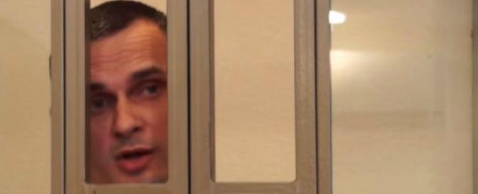 Russia, il regista ucraino Oleg Sentsov condannato a 20 anni per terrorismo