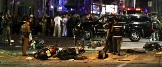 """Thailandia, bomba esplode vicino tempio a Bangkok: """"19 morti, 117 feriti"""""""