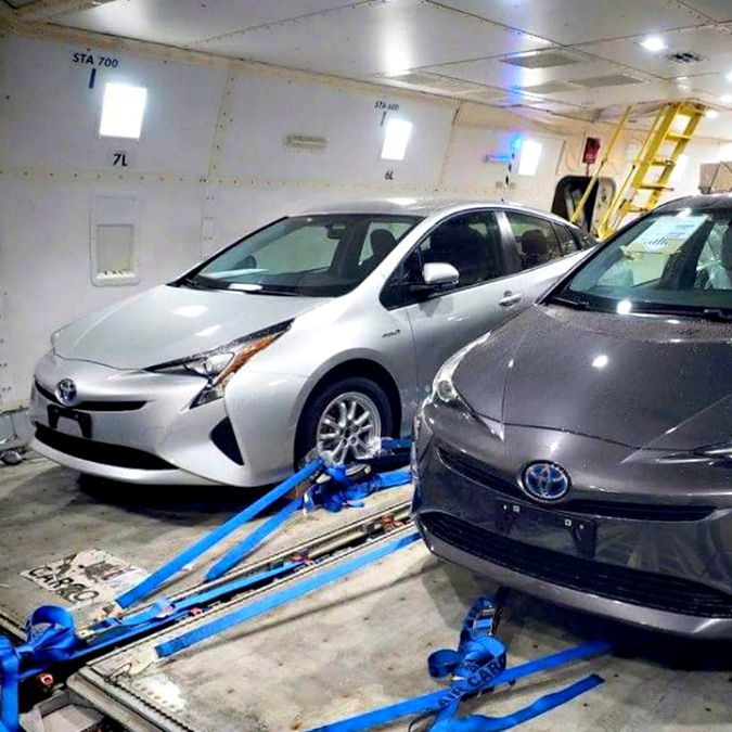 """Nuova Toyota Prius, l'immagine """"rubata"""": nel design ricorda la Mirai a idrogeno"""