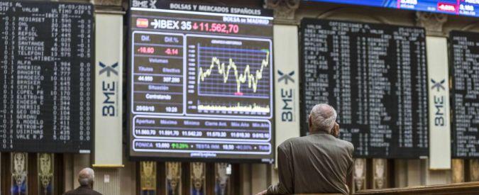 """Madrid, la Borsa """"caccia"""" i broker anziani: """"Danno brutta immagine"""". Ma loro lottano: """"Davanti a telecamere apposta"""""""