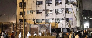"""Egitto, autobomba nella notte al Cairo: ferite 29 persone. Rivendicati dall'Isis: """"E' la vendetta per i nostri fratelli"""""""