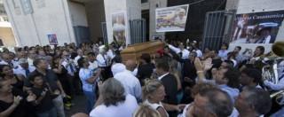 """Casamonica, corteo funebre del boss """"scortato"""" dai vigili urbani"""