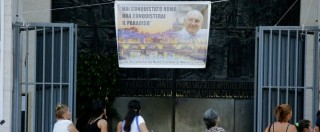 """Vittorio Casamonica,  i funerali del boss """"Re di Roma"""": cavalli e Rolls-Royce, l'elicottero e la musica del Padrino"""