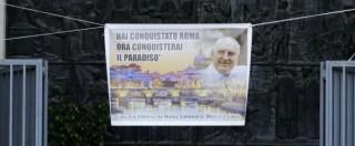 Casamonica, funerali nello sfarzo per il boss Vittorio. L'indignazione su Twitter