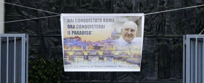 """Casamonica, """"sconcerto"""" nello staff del Papa: Ma la Curia di Roma difende parroco: """"Non si è accorto di nulla, altri i responsabili"""""""