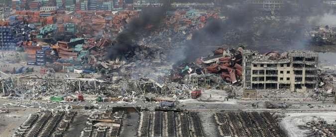Tianjin, paura chimica dopo l'esplosione. Scatta l'evacuazione dell'area
