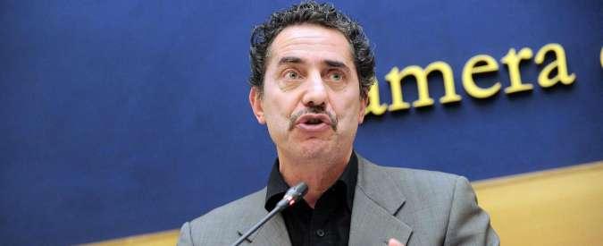 """Terremoto centro Italia, il parlamentare M5s Cioffi su Twitter: """"Il Senato ha retto benissimo"""". Poi le scuse"""
