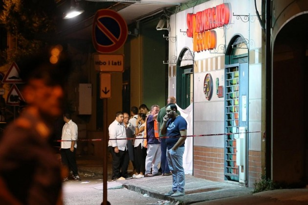 Napoli, rapina in supermercato: un morto