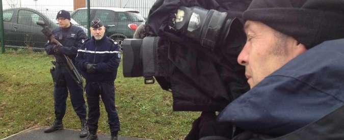 """Strage di Parigi, ex ostaggio dei Kouachi denuncia media francesi: """"Misero a rischio la sua vita"""""""