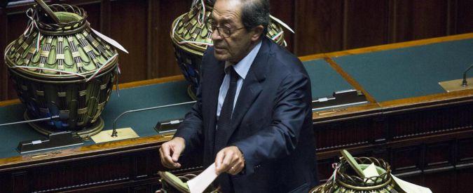 Donato Bruno morto, il senatore di Forza Italia colpito da ischemia. Era stato candidato alla Corte costituzionale