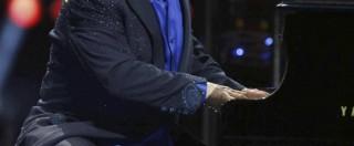 """Sir Elton John vs Luigi Brugnaro: """"Il sindaco di Venezia è bigotto e cafone"""""""