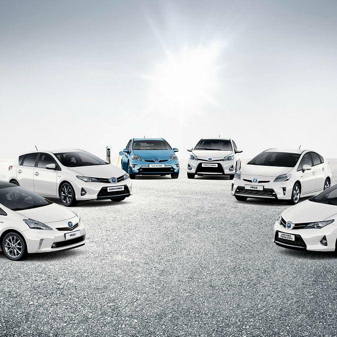 """Auto ibride Toyota, venduti 8 milioni di auto """"bimotore"""" dal 1997"""