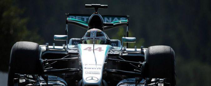 """F1, Gp Belgio: a Spa è dominio Mercedes. Vettel out per scoppio di una gomma, furioso con la Pirelli: """"Potevo morire"""""""