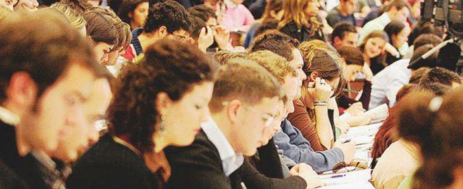 """Disoccupazione, studio su giovani laureati senza lavoro: """"Sono senza soldi, pessimisti e arrabbiati"""""""