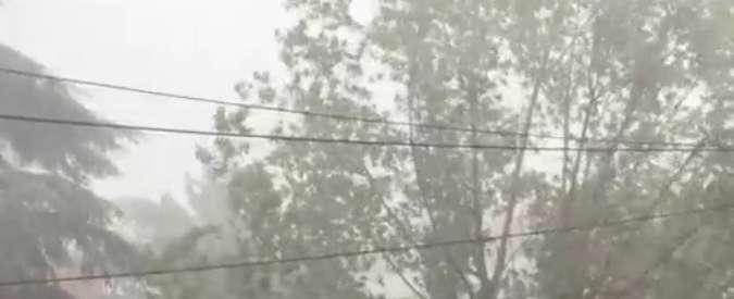 Ferragosto con maltempo, violento nubifragio a Bologna: allerta Protezione Civile