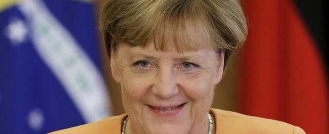 "Migranti, Ue contro il muro in Ungheria. Merkel: ""L'Italia deve essere aiutata"""