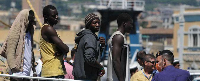 Migranti, arrestati 8 presunti scafisti per i morti asfissiati nella stiva del barcone