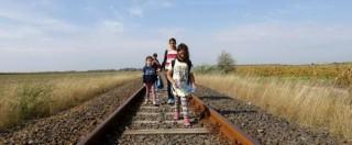 """Migranti, Alto commissariato: """"Nei prossimi mesi 3mila persone al giorno verso la Macedonia"""". Bulgaria invia blindati al confine"""