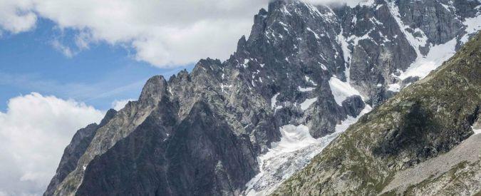 Monte Bianco, aliante precipita su un ghiacciaio: morti pilota e passeggero