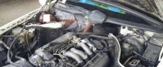 Spagna, migranti nascosti in un'auto: uno era incastrato nel vano motore