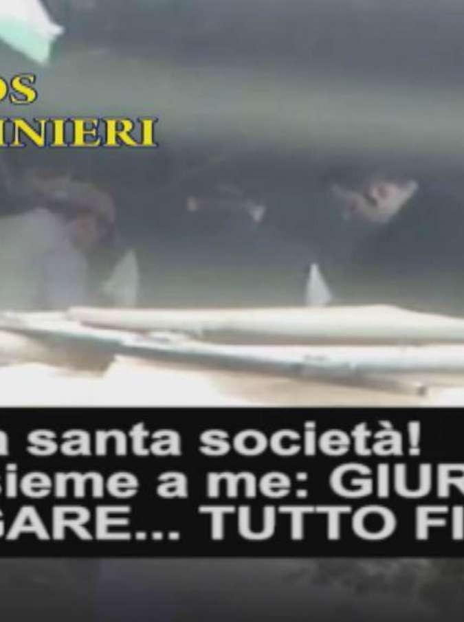 """""""La regola"""", la dura vita quotidiana sotto la 'ndrangheta in Lombardia. E l'assillo per la politica"""