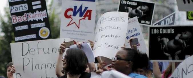 """Usa, repubblicani: """"Stop a fondi federali per associazione pro-aborto"""""""
