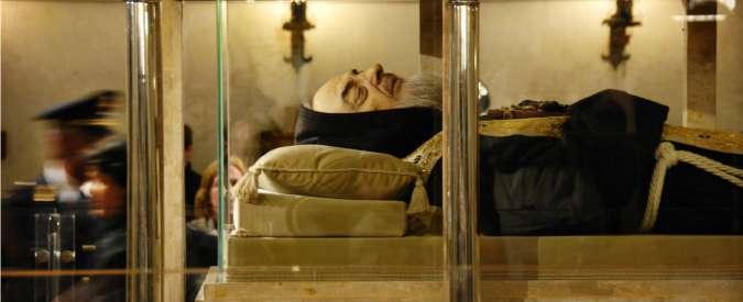 Giubileo 2015, corpo di Padre Pio a Roma: per la prima volta traslato dalla Puglia
