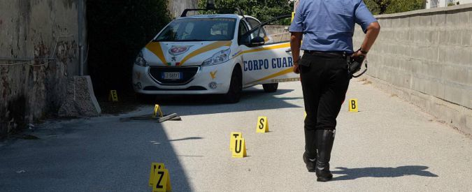 Pisa, tenta di rapinare sala bingo: ex guardia giurata uccisa da un collega. Gli spari, poi i due si riconoscono