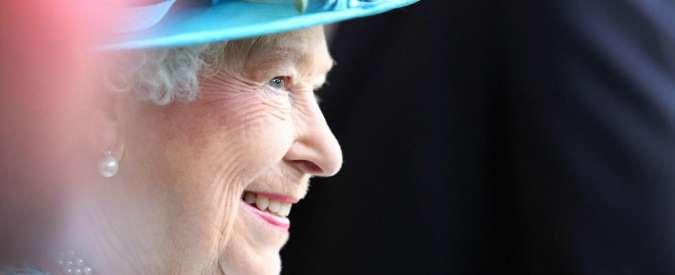 """Isis, Daily Mail: """"Sventato attentato alla regina Elisabetta II il 15 agosto"""""""