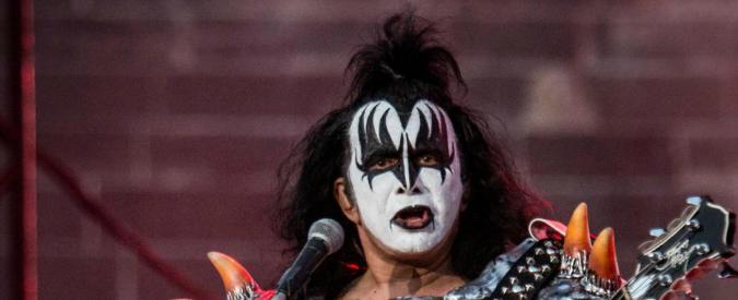Pedopornografia, perquisita casa di Gene Simmons. Bassista dei Kiss non indagato