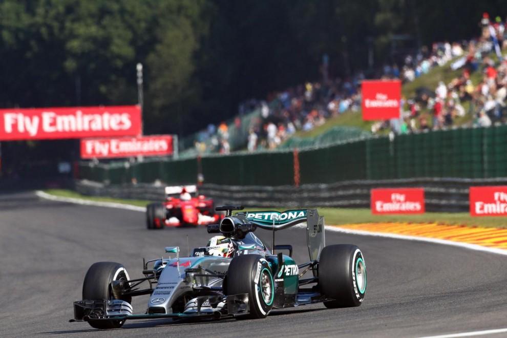 Formula 1 Gp Belgio, nelle libere dominio Mercedes. Rosberg primo e in testacoda