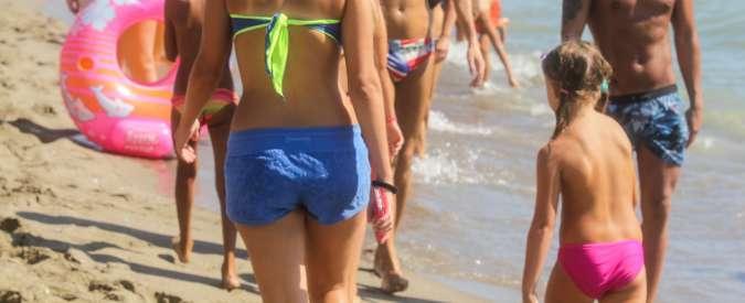 Bambini in spiaggia, le regole per evitare pericoli (aiutati dalla tecnologia)