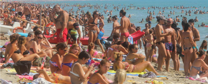 """Federalberghi: """"Aumentano gli italiani in vacanza"""". La prima regola? Risparmiare"""