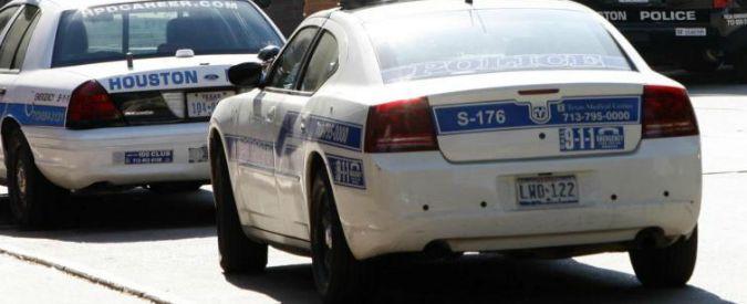 Texas, strage a Houston: 6 bambini e 2 adulti trovati morti in casa. Arrestato pregiudicato