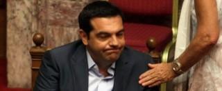 Grecia, sì agli aiuti ma Tsipras perde la maggioranza. Syriza spaccata