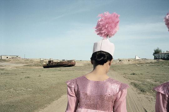 Il vecchio porto d'Aralsk, Kazakistan, 2003 (Foto  ©  Claudine  Doury/Agence  VU')