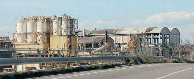 Amianto, a Crotone prescrizione cancella processo Montedison: tutti assolti